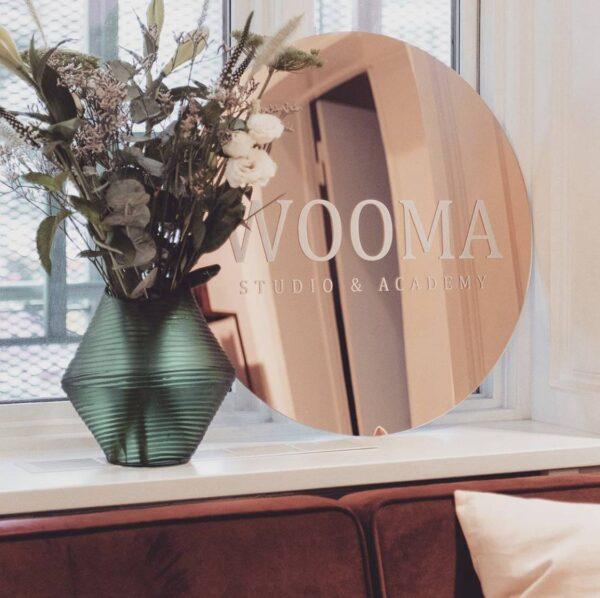 wooma rosegold spejl frisør velkomstskilt logo