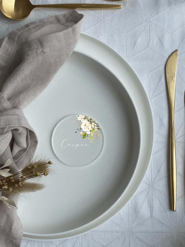 bordkort i akryl med hvide roser