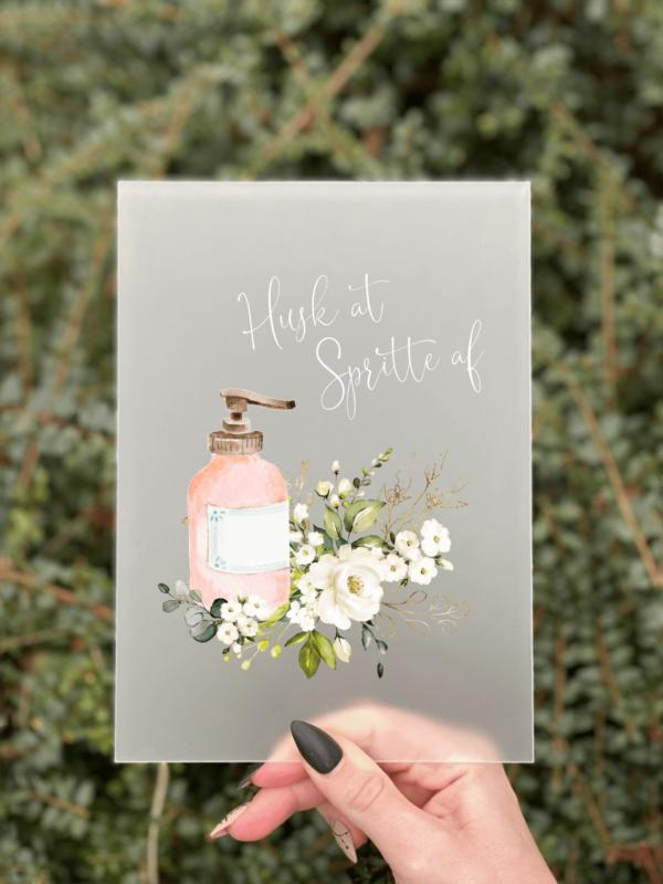 husk at spritte afcovid 19 skilte med blomster
